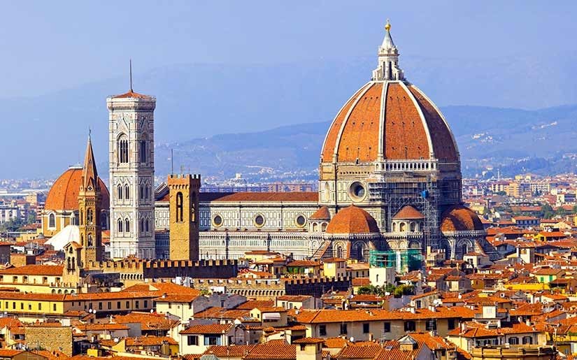 נוף הרקיע של העיר פירנצה באיטליה - הקתדרלה של העיר